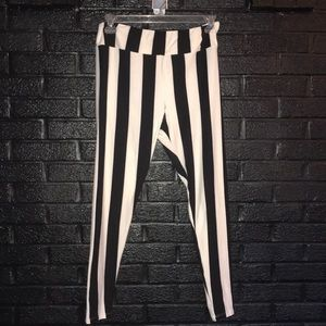 LuLaRoe Tall & Curvy striped leggings